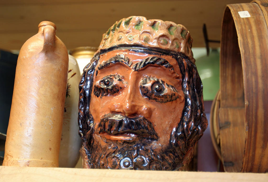 Jesus's head as an ugly pot.