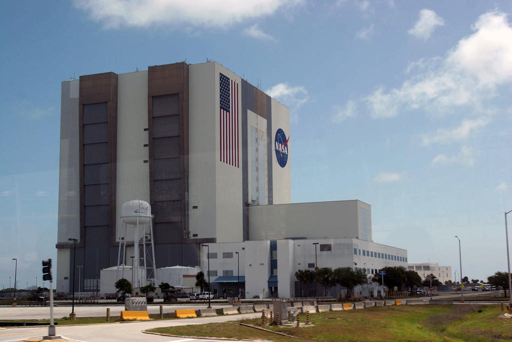 Assembly building closer