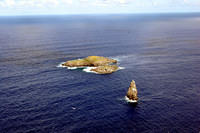 Motu Nui (big one in the back), Motu Iti and Motu Kao Kao (sea stack)